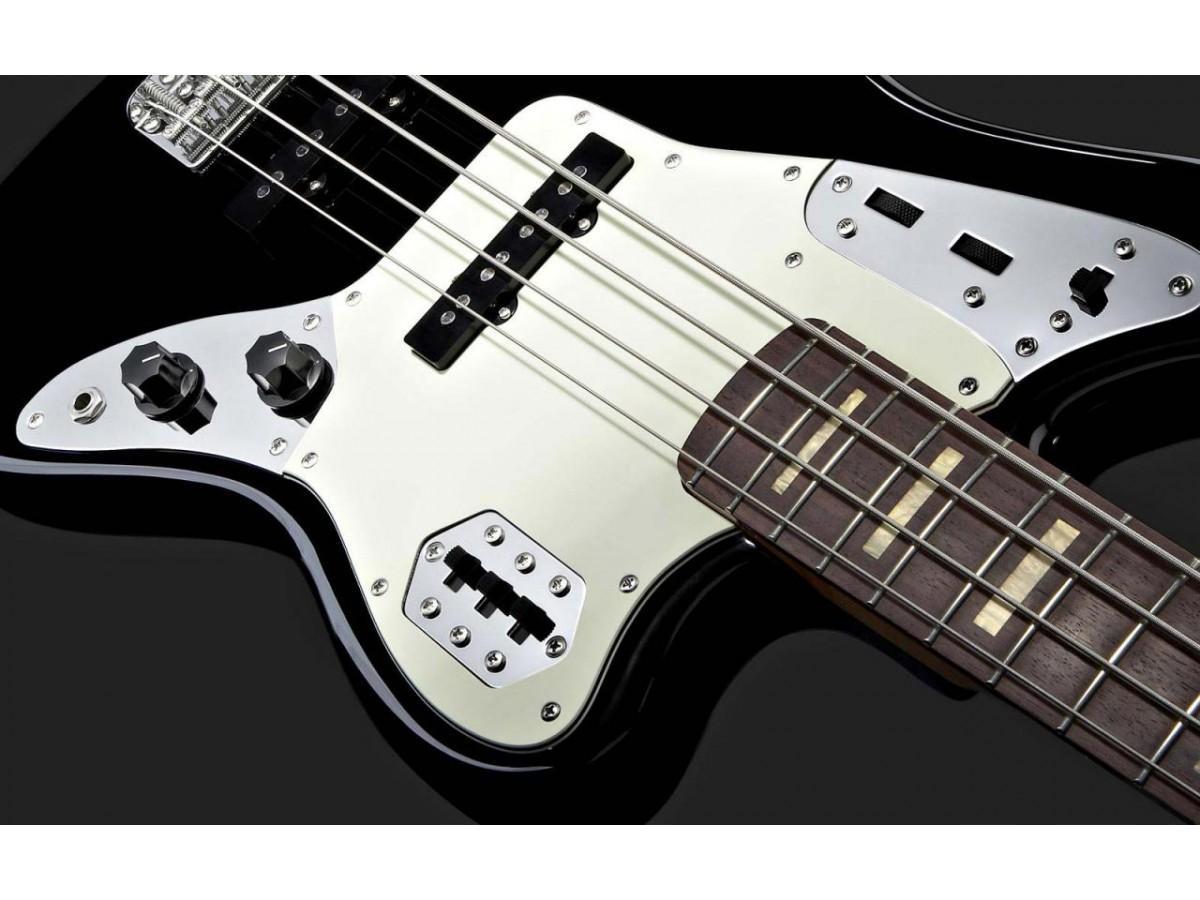 Бас-гитара – простой способ начать играть в группе!